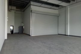 Warehouse and factory for rent in North West