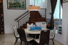 5 Bedroom House for sale in South East